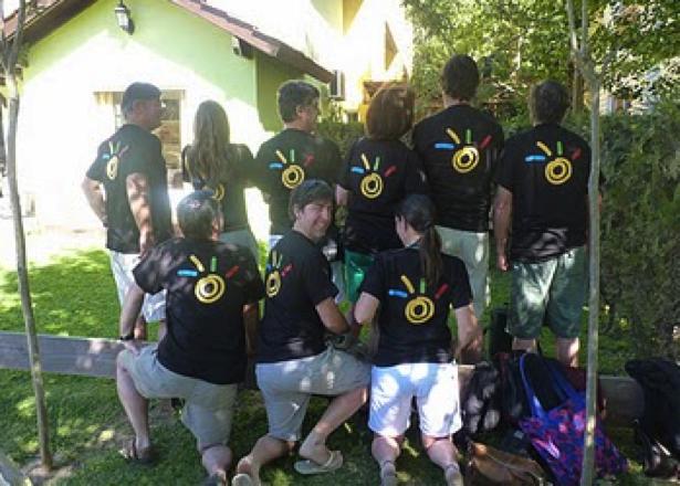 Equipe avec shirts